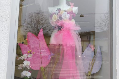 Auslagengestaltung-Frühling-Schaufenstergestaltung-Kratschmann-Baden (1)