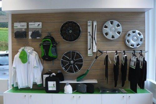 Merchandising-Skoda-Hainfeld-Imagio-Leoben-Visual-Merchandising-Dekoration-Vitrinengestaltung-Schaufenstergestaltung3