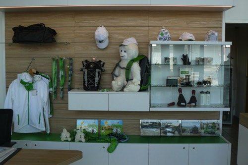 Merchandising-Skoda-Liebenau-Imagio-Leoben-Visual-Merchandising-Dekoration-Vitrinengestaltung-Schaufenstergestaltung1
