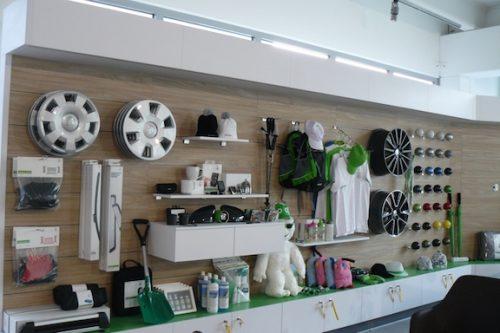 Merchandising-Skoda-Telfs-Imagio-Leoben-Visual-Merchandising-Dekoration-Vitrinengestaltung-Schaufenstergestaltung2