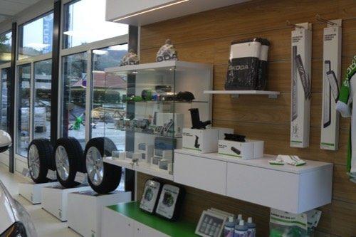 Merchandising-Skoda-Wolfsberg-Imagio-Leoben-Visual-Merchandising-Dekoration-Vitrinengestaltung-Schaufenstergestaltung2