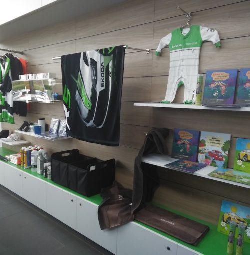Merchandising-VW-Imagio-Leoben-Visual-Merchandising-Dekoration-Vitrinengestaltung-Schaufenstergestaltung3