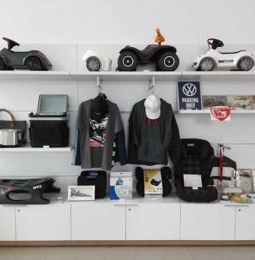 Merchandising-VW-Imagio-Leoben-Visual-Merchandising-Dekoration-Vitrinengestaltung-Schaufenstergestaltung9