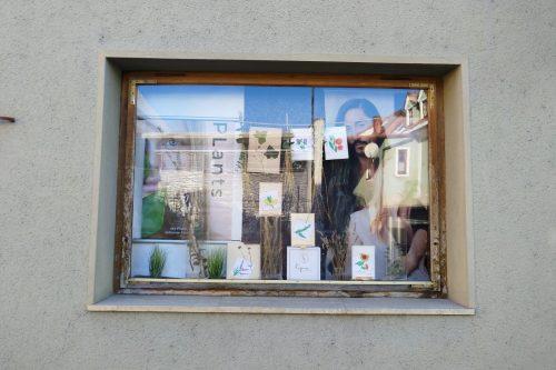 Schaufensterdeko-Schaufenstergestaltung-Auslagengestaltung-Haarstudio-Hauptmann-Leutschach (1)